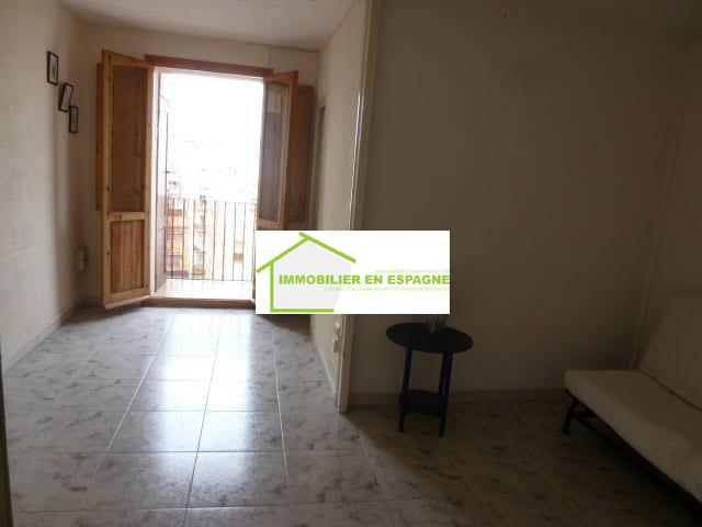 Appartement poble sec 2 pi ces avec terrasse 120 000 for Achat location appartement